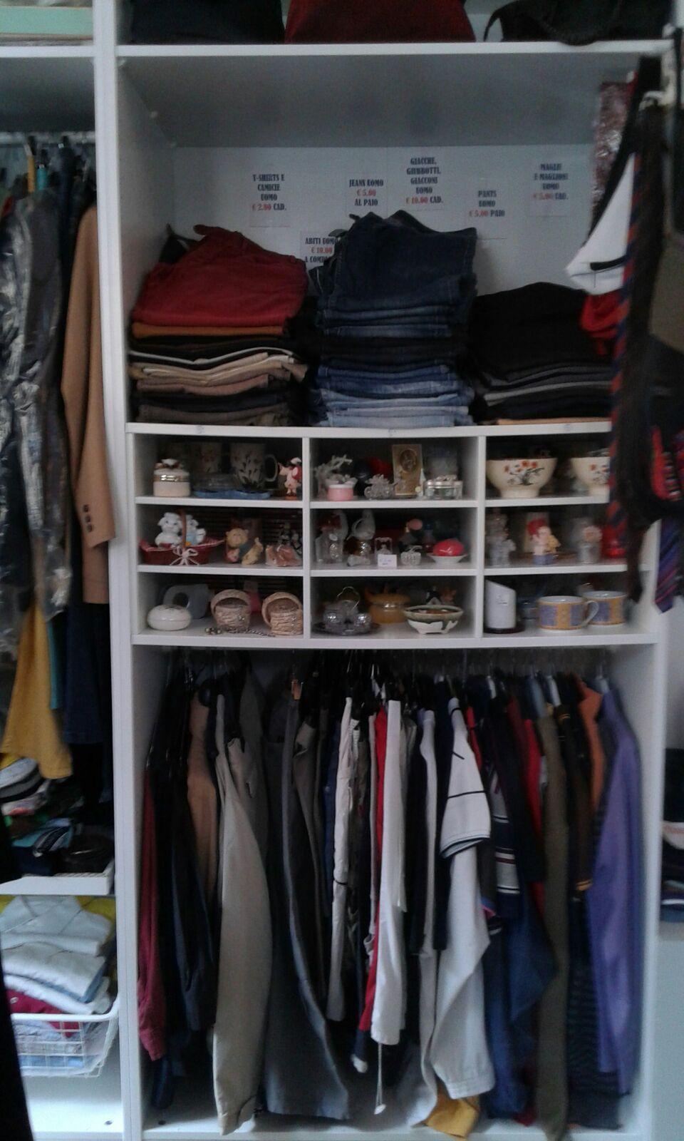 cambiamenti-scaffale-vestiti